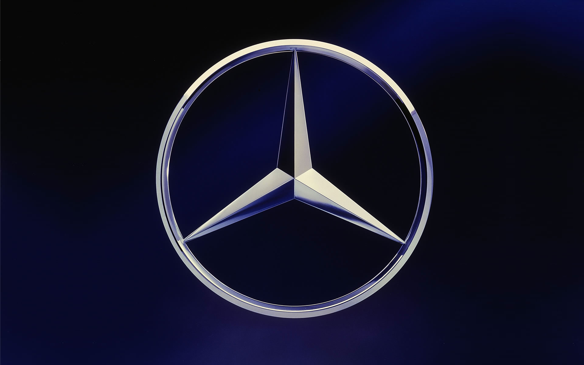 17 logo designs you will actually remember designhill for Mercedes benz star logo