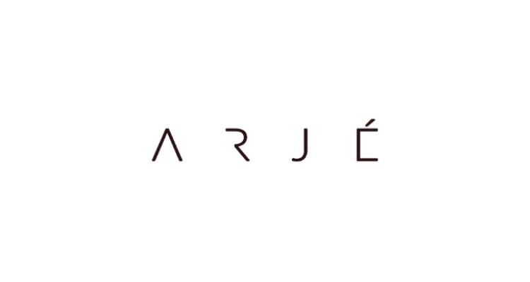 minimalistic fashion logo