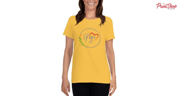 Fresh-yoga-day Women's T-Shirt